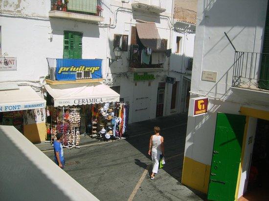 Mariano Apartamentos: Blick aus dem Zimmer