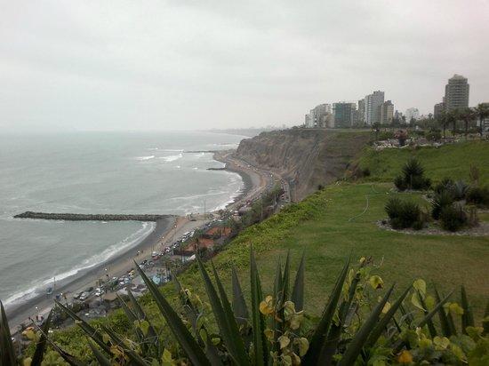 Tierra Viva Miraflores Larco: Над океаном