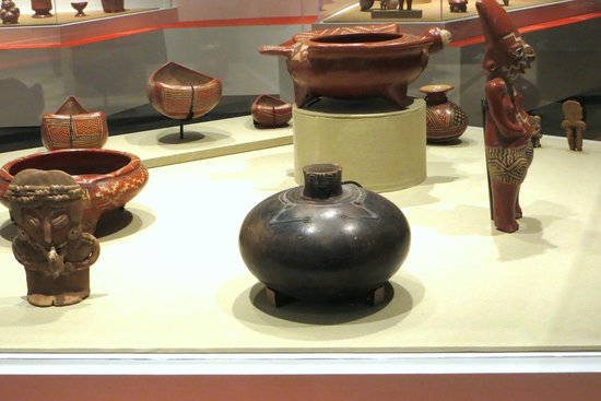 University of California, Los Angeles (UCLA): Peruvian Pottery