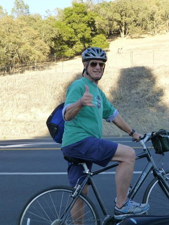 Napa Valley Bike Tours : Hang loose, another satisfied customer