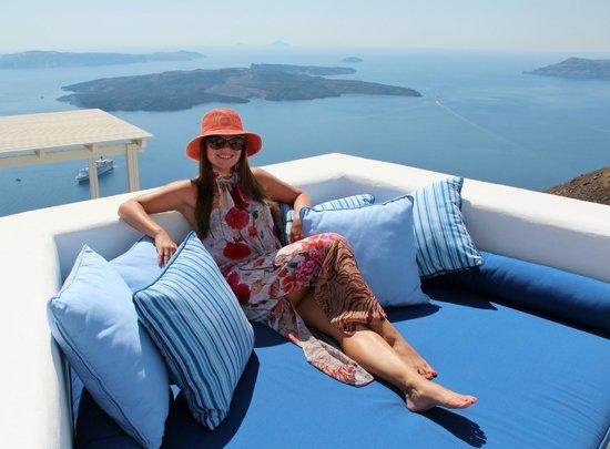Iconic Santorini, a boutique cave hotel: зона отдыха