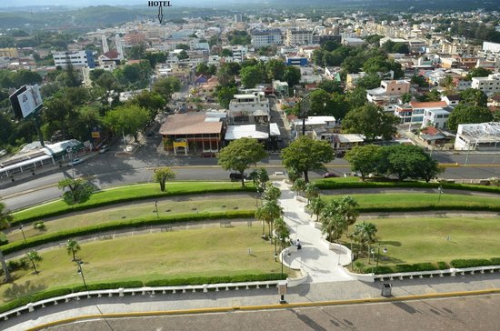 Hodelpa Centro Plaza Hotel: VISTA DESDE O MONUMENTO