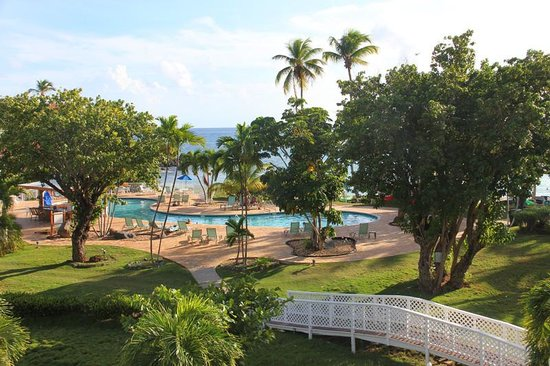 Bluebeard's Beach Club and Villas: view from our room in the E building