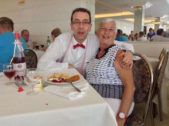 Mundial Club Hotel : myriam met haar vriend.