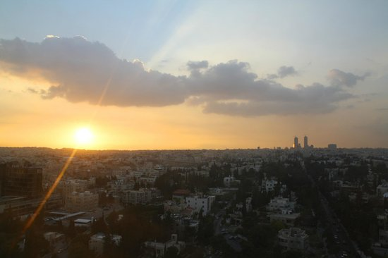 Le Royal Hotel Amman: Sunset over Amman