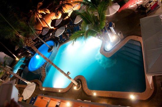Oceano Palace Beach Hotel: Piscina