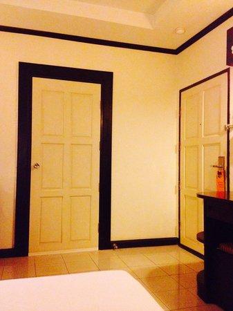 Royal Peninsula Hotel Chiang Mai : Connecting door