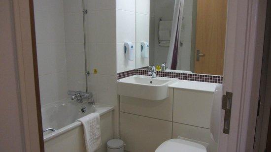 Premier Inn Liverpool City Centre (Liverpool One) Hotel: Bath 2