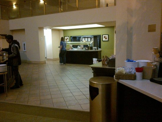 Residence Inn Seattle Downtown/Lake Union: Buffet area