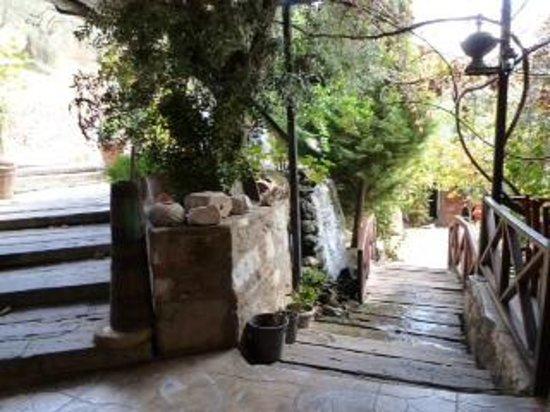 Sirince'm Sakli Vadi: Outside