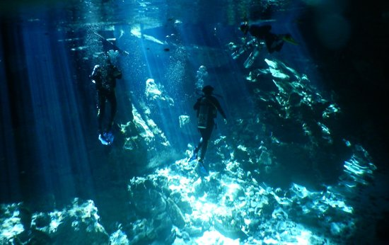 Las Palmas Maya : Cenote in Tulum