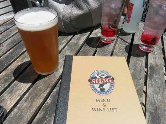 The Lucky Shag Waterfront Bar: Drinks and menu