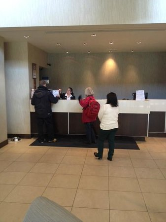 Travelodge Belfast Central: acceuil a l'hotel