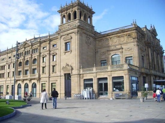 Hotel Maria Cristina, a Luxury Collection Hotel, San Sebastian : vista al teatro