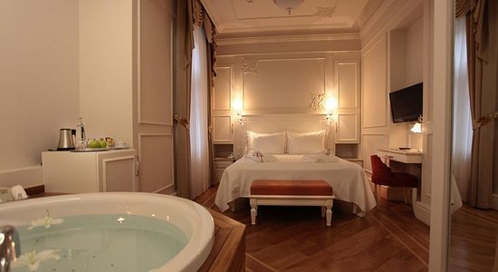 Hotels With Private Jacuzzi In Room Near Me Enredada
