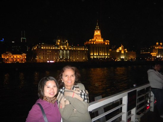 SunnyFlower Services : Shanghai boat tour with Sunny