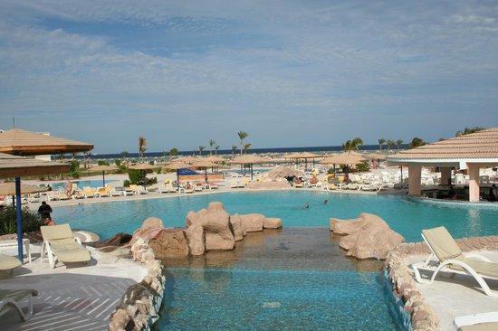 Harmony Makadi Bay Hotel & Resort: Бассейны