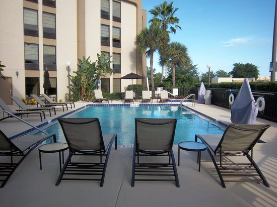 Hampton Inn Daytona Speedway / Airport: New Pool Deck and Furniture!