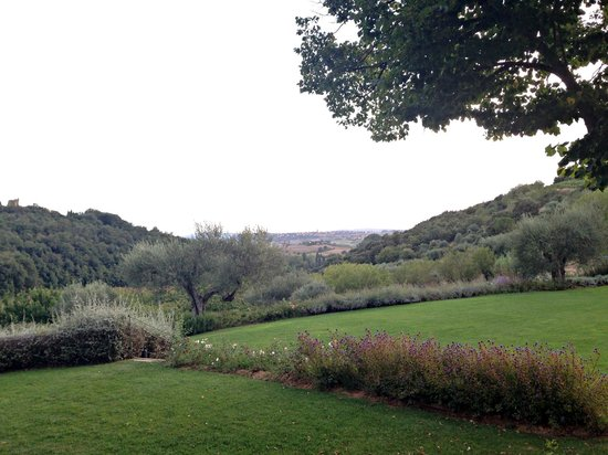 Tenuta Santo Pietro: View towards Pienza