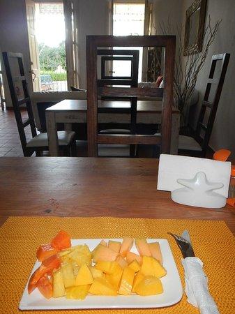 Hotel Portes 9: Frutas en el desayuno