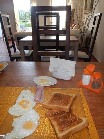 Hotel Portes 9: Desayuno