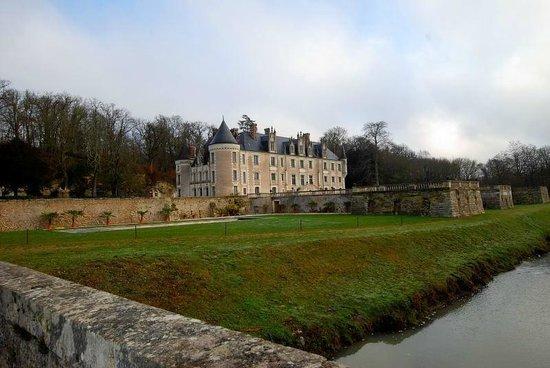 Chateau des Arpentis: Vista lateral