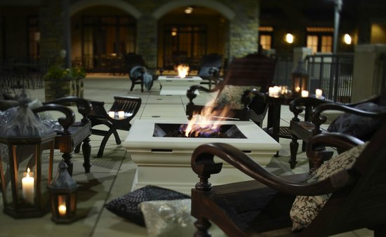 Brock's at Ross Bridge: Outdoor Firepits to enjoy before or after dinner