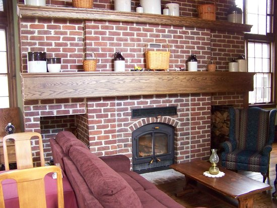 Baladerry Inn: wood burner Stove