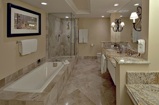 The Lodge at Vail, A RockResort: Luxury Bath Room