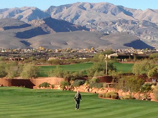 Entrada at Snow Canyon Golf Course : view to the west