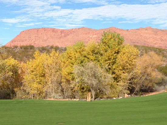 Entrada at Snow Canyon Golf Course : view to the north