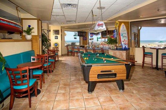 Ocean Breeze Club Hotel: The POC Lounge