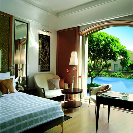 Trident, Gurgaon: Deluxe Pool View Room