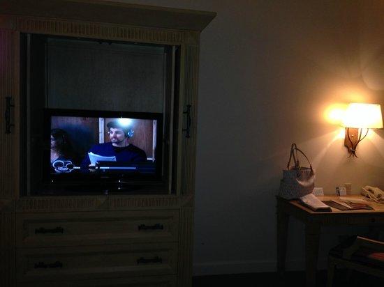 Lodge of  Four Seasons: flat screen tv