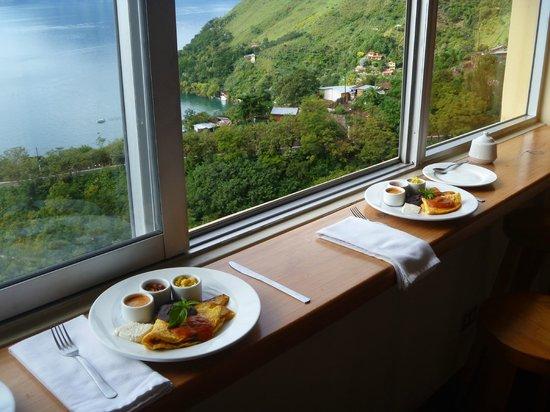 Café Sabor Cruceño: Breakfast with a view