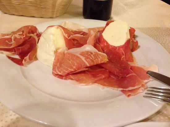Ristorante Da Gigino: Fresh ham & mozzarella!