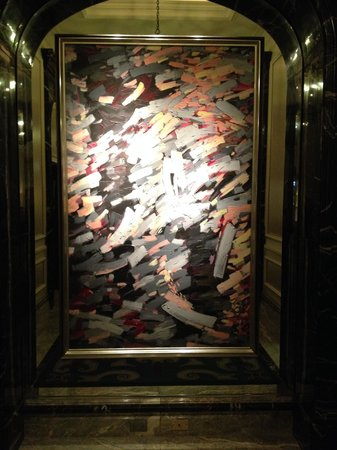 Four Seasons Hotel Chicago : Lobby artwork