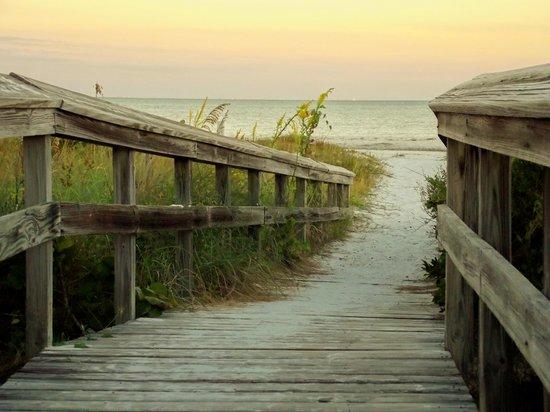 Sanibel Inn: to the beach taken at sunrise