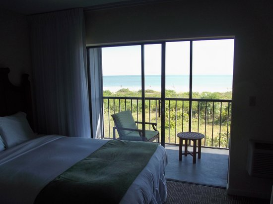 Sanibel Inn: view from our room