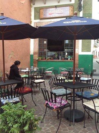 Bagel Cafetin: Exterior