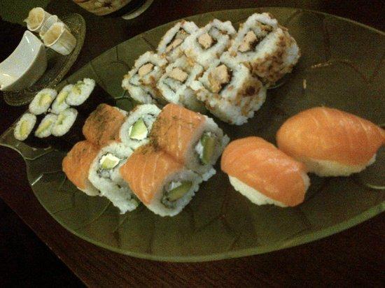 Wasab'Art Sushi: Plateau Mixte et Rolls foie gras