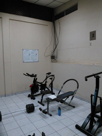 Mansion Teodolinda: Gym - very poor