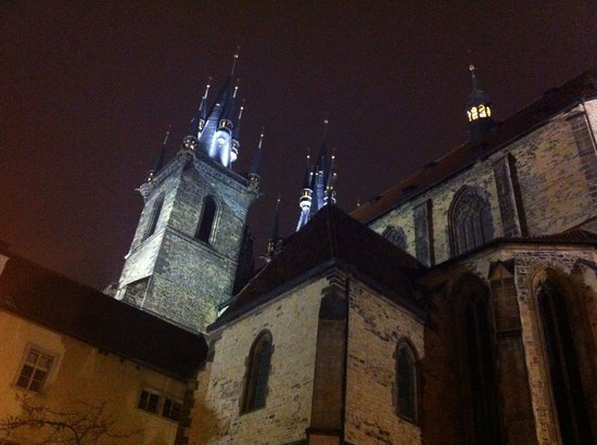 Ventana Hotel Prague: Cathedral opposite the front door!