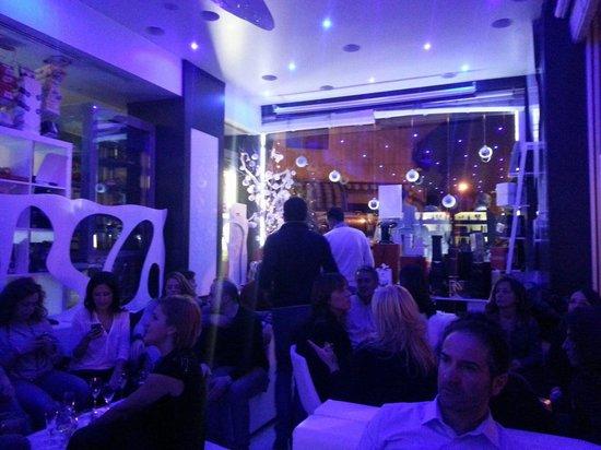 Monblanc Cafe: live music al monblanc