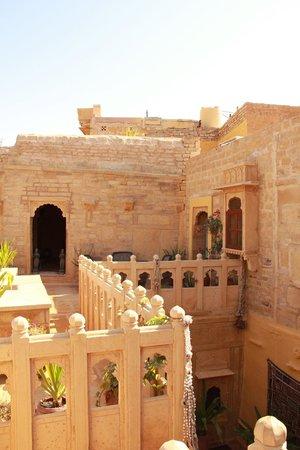 Hôtel Killa Bhawan : Terrasse de la suite