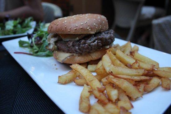 Restaurant Don Quichotte : Corsican burger