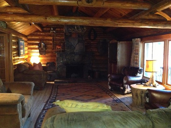 Spotted Horse Ranch: lodge