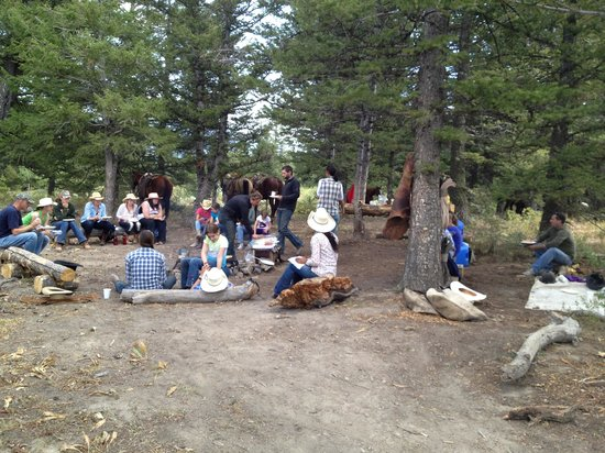 Spotted Horse Ranch: cookout on top of the mountain