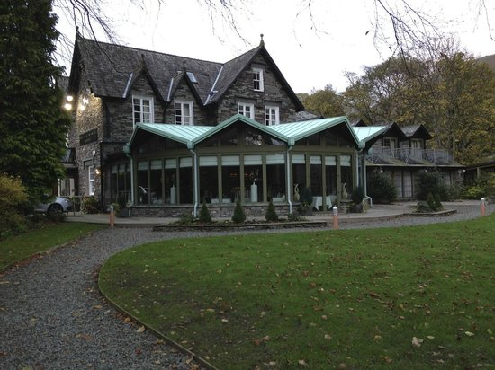 Rothay Garden Hotel: The Restaurant from the Garden