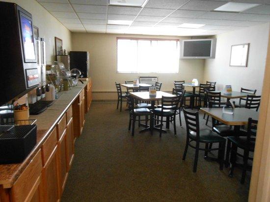 Quality Inn Stadium Area : Breakfast